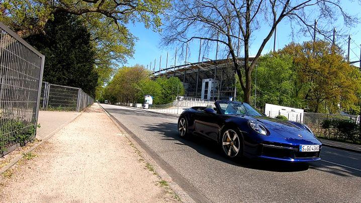 Machte im Hamburger Volkspark eine bessere Figur als seine schwäbischen Landsleute vom VfB: Porsche 911 Turbo S Cabrio