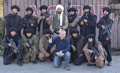 """Uwe Boll (bei der Produktion seines Films """"Postal""""): Der deutsche Regisseur aus Wermelskirchen plant die gezielte Provokation strenggläubiger Moslems"""