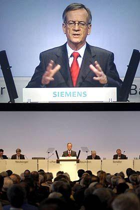 Siemens-Chef fordert einen neuen Maut-Anlauf: Heinrich von Pierer, hier während der Hauptversammlung der Siemens AG vor einem Monat