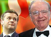 Murdoch (r.) mit dem Lächeln des Siegers: Jean-Marie Messier hat das Nachsehen