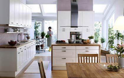 Qual der Wahl: Viele Möglichkeiten: In Küchenabteilungen wie hier bei Ikea können Kunden meist unter verschiedenen Griffen wählen
