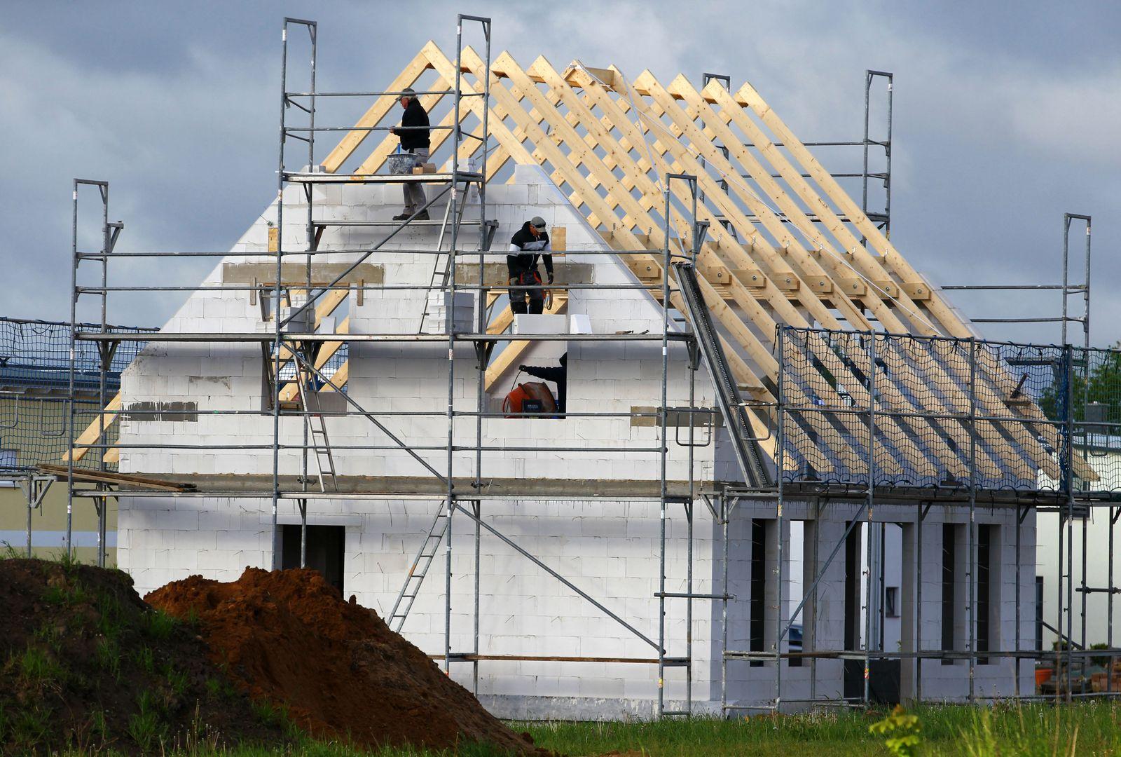 Immobilienkauf wird teurer / Hausbau