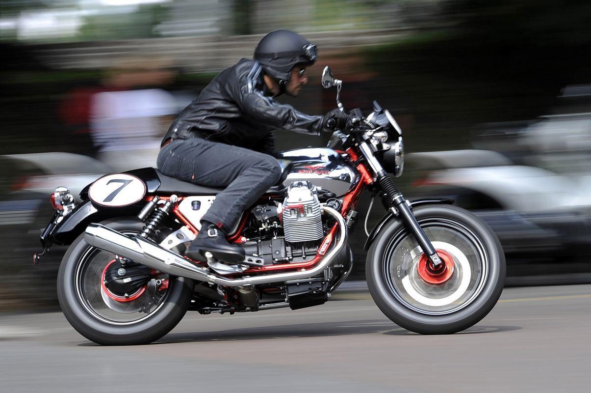 EINMALIGE VERWENDUNG Moto Guzzi V7