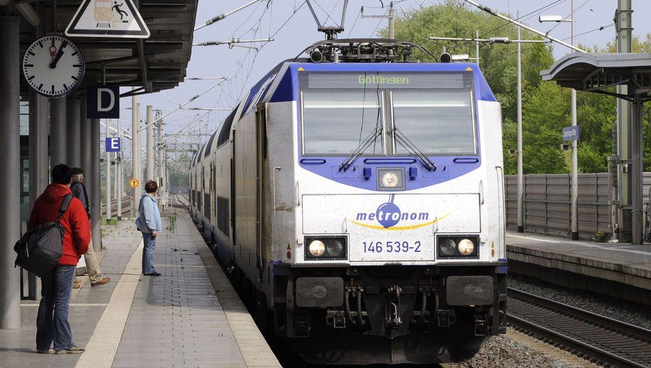 Zug der Arriva-Beteiligung Metronom in Niedersachsen: Wichtiger Wettbewerber der Deutschen Bahn