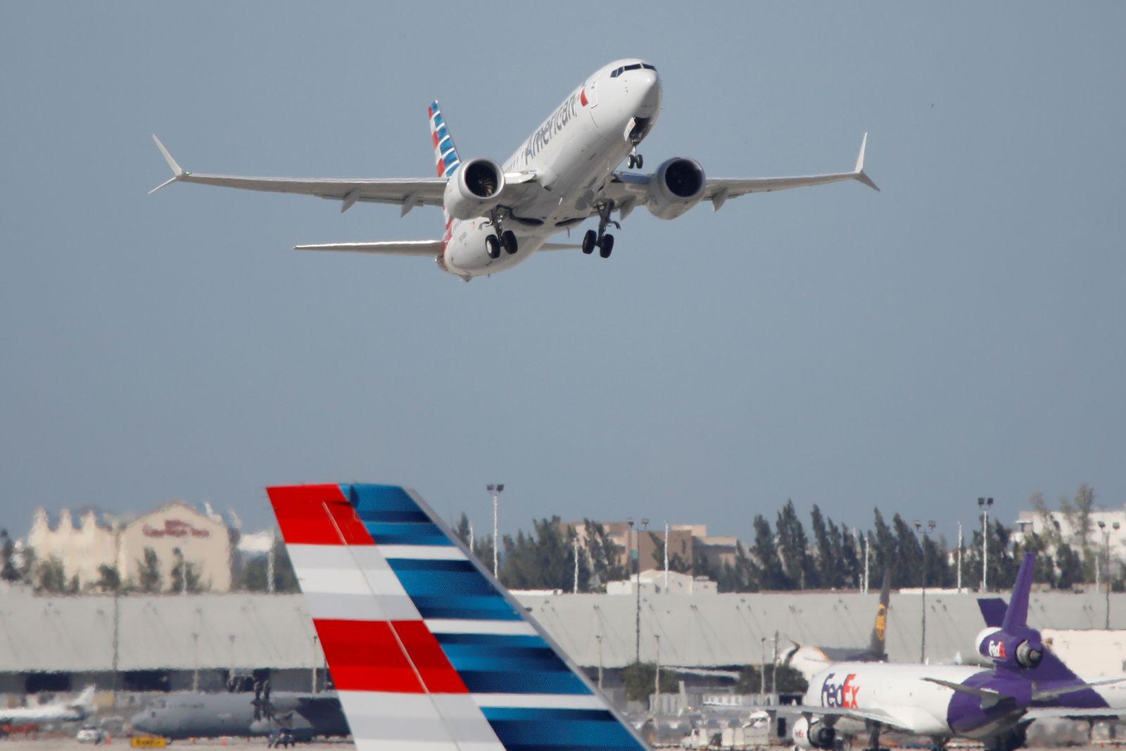 FILE PHOTO: Boeing 737 MAX resumes U.S. passenger flights after safety ban