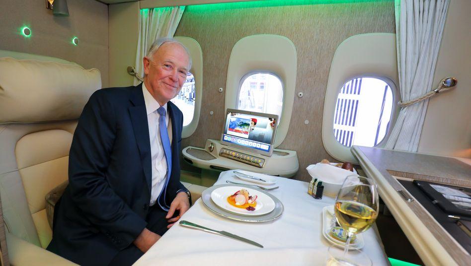 Tim Clark an Bord einer Boeing 777