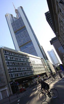 Boni: Die Commerzbank zahlt für Dresdner-Kleinwort-Banker