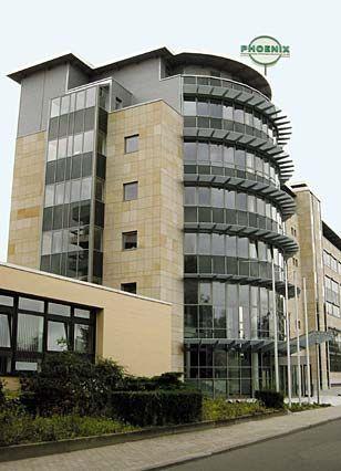 Phoenix-Zentrale: Laut einer Einigung mit den Gläubigerbanken muss die Merckle-Familie das Unternehmen verkaufen