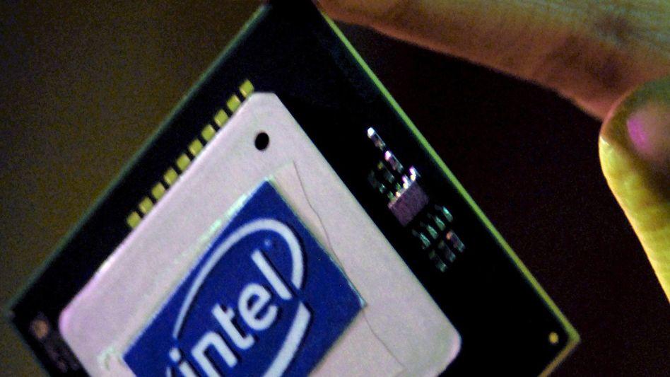 Intel-Prozessor: Der größte Chiphersteller will das Entwicklungstempo verschärfen - und kauft zu.