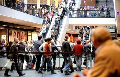 Andrang: Für das Weihnachtsgeschäft erwartet die GfK gute Umsätze im Handel