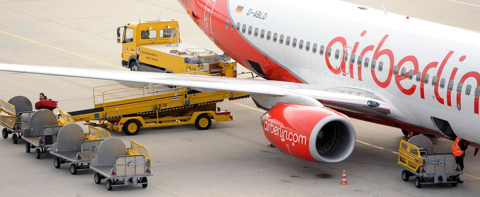 Air-Berlin Maschine auf dem Flughafen Stuttgart: Zuletzt leicht sinkende Fluggastzahlen