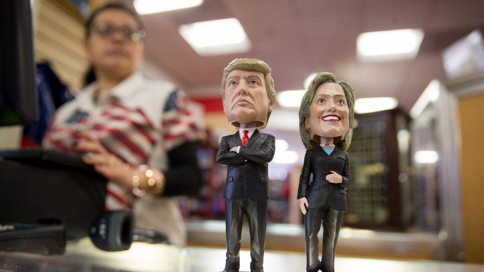 """Trump, Clinton als Wackelfiguren: """"Wir sind besser als das, was uns die Republikaner anbieten"""""""