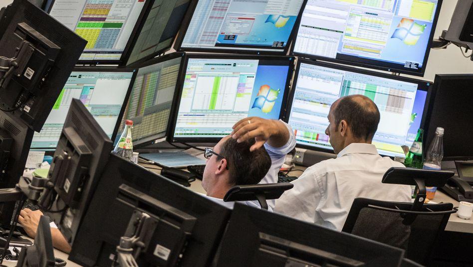 Aktienhändler in Frankfurt: Börse bei deutschen Anlegern eher unbeliebt.