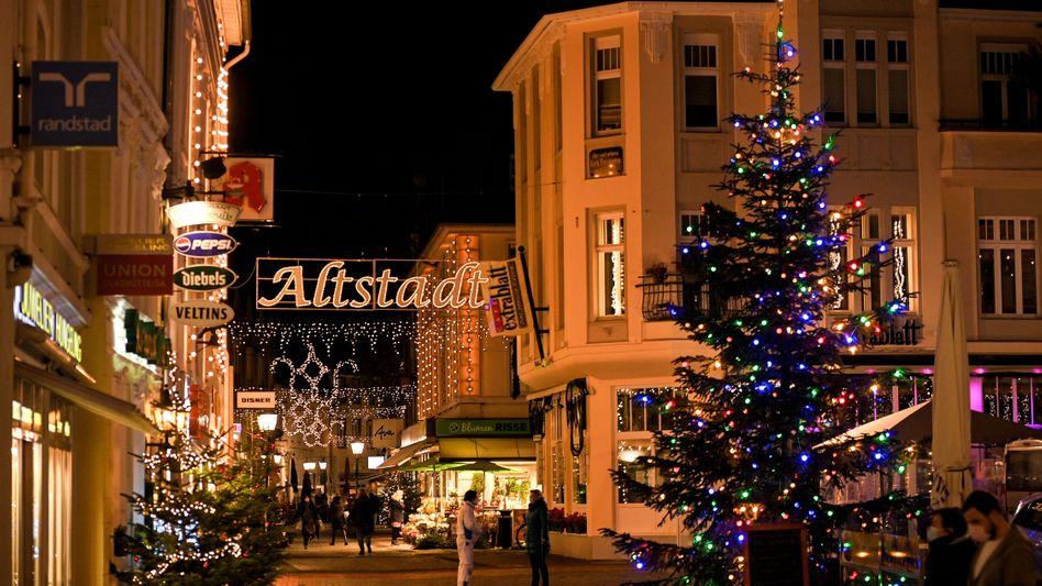 Geisterstunde: Leere Einkaufsstraßen in der Weihnachtszeit.