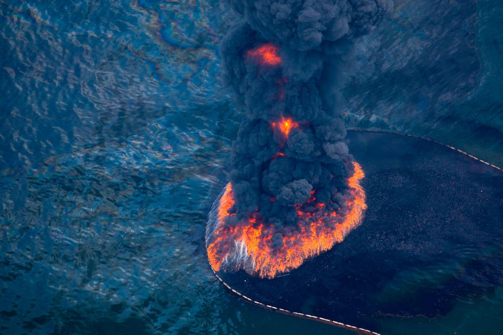 EINMALIGE VERWENDUNG Ölpest / Ölverbrennung