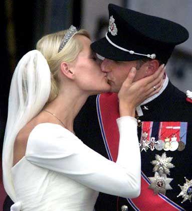 Gute Beziehungen sind hilfreich: Prinz Haakon, Mette-Marit