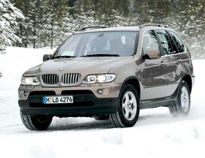 Gnädige EU: Offenbar müssen die deutschen Autohersteller den Schadstoffausstoß ihrer Wagen- hier ein BMW X5 - weniger runterschrauben als angenommen