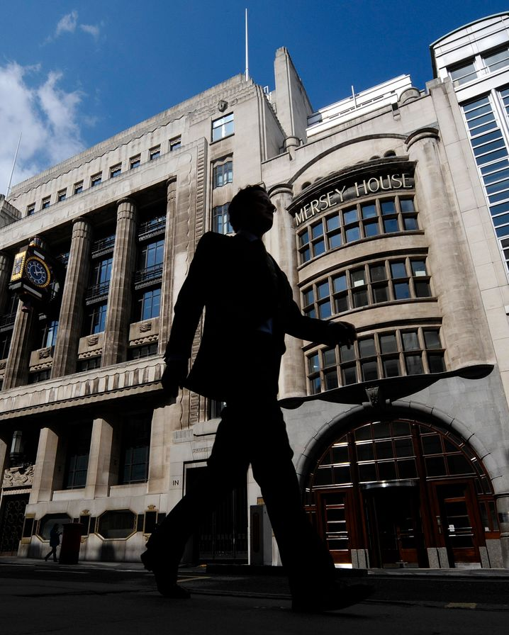 Goldman Sachs in London: Man habe keine zusätzlichen Büros in Frankfurt für einen möglichen Umzug in die Main-Metropole angemietet, dementiert die US-Investmentbank Gerüchte