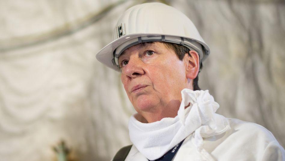 """Bundesumweltministerin Hendricks (im Atommüll-Lager Asse): """"Die volle Kostenverantwortung liegt bei den Versorgern"""""""