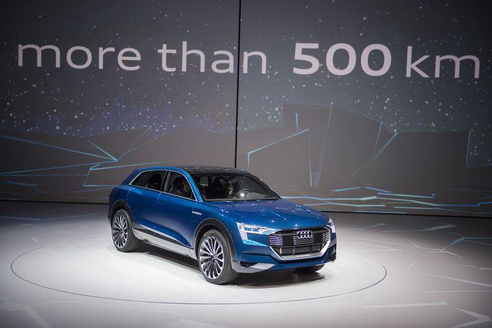 """Audi-Chefentwickler Ulrich Hackenberg über den e-tron Quattro Concept: """"Wenn ich das sage, kommt der Wagen auch!"""""""