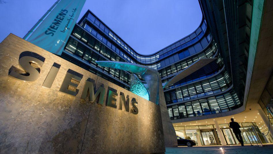 Der Wettstreit um den Ausbau von Iraks Stromnetz ist noch nicht vorbei, doch Siemens hat schon mal einen Vorvertrag in der Tasche - Konkurrent GE auch