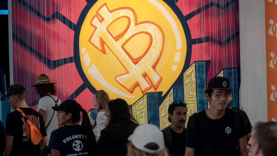 Bitcoin in Schieflage: Die weltweit größte Kryptowährung stürzt auf ein 6-Monats-Tief