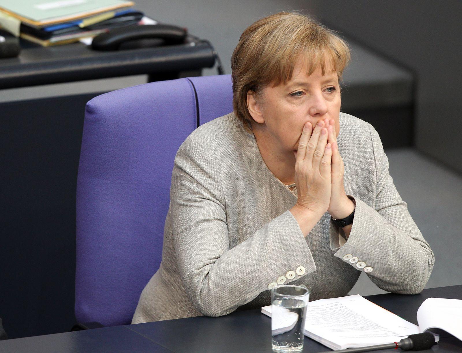 Merkel im Bundestag muffig