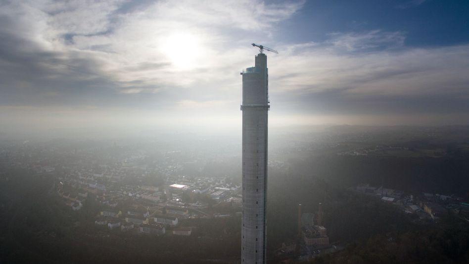 Testturm der Aufzugsparte von Thyssenkrupp (Archivaufnahme)