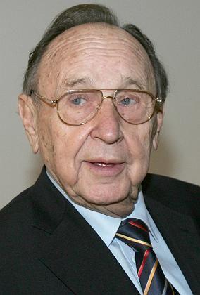 Geburtstagskind: Der ehemalige Aussenminister Hans-Dietrich wird am Mittwoch 80 Jahre alt