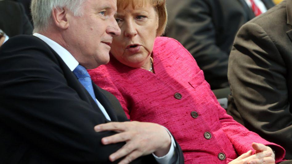 Seehofer: Mit Merkel arbeitet er sehr gut zusammen, findet der CSU-Chef