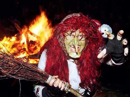 Walpurgisnacht: Viermal im Jahr tanzen die Hexen auch an der Börse