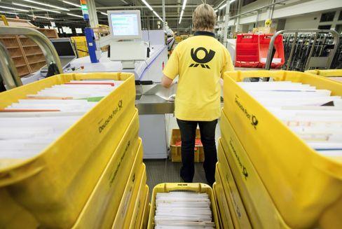 Drucksache: Mit effizienter Technik und Sparmaßnahmen will die Post ihre hohen Gewinne im Briefgeschäft verteidigen; doch die Rationalisierung stößt an Grenzen