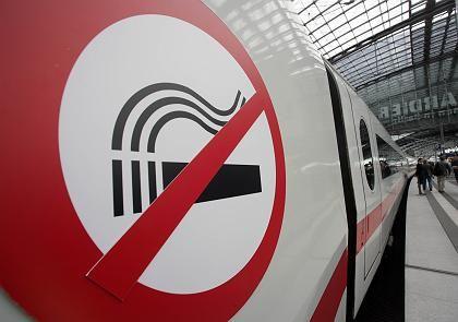Nichtraucher können aufatmen: Rauchverbot in allen Zügen und Bahnhöfen