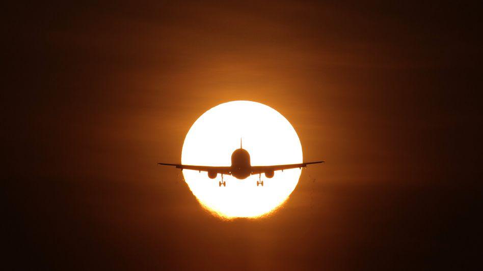 Runter kommen sie immer: Flughafen und Airlines müssen sich an den Gedanken gewöhnen, dass Anwohner nachts schlafen wollen