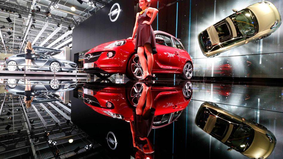 Opel auf einer Autoschau 2014 nahe Moskau: Der Autobauer darf unter seinem neuen Besitzer PSA auf den russischen Markt zurückkehren - mit einer eigene Produktion und einem eigenen Vertriebsnetz.