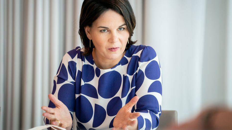 Neuer Wahlkampfgefährte: Kanzlerkandidatin Annalena Baerbock bekommt Unterstützung