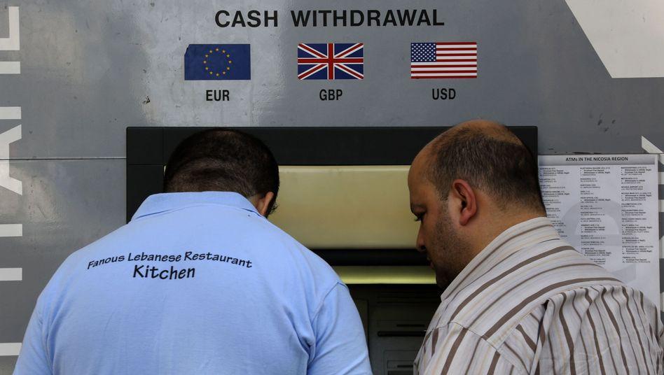 Geld aus dem Automaten: Kapitalverkehr auf Zypern unter strengen Regeln