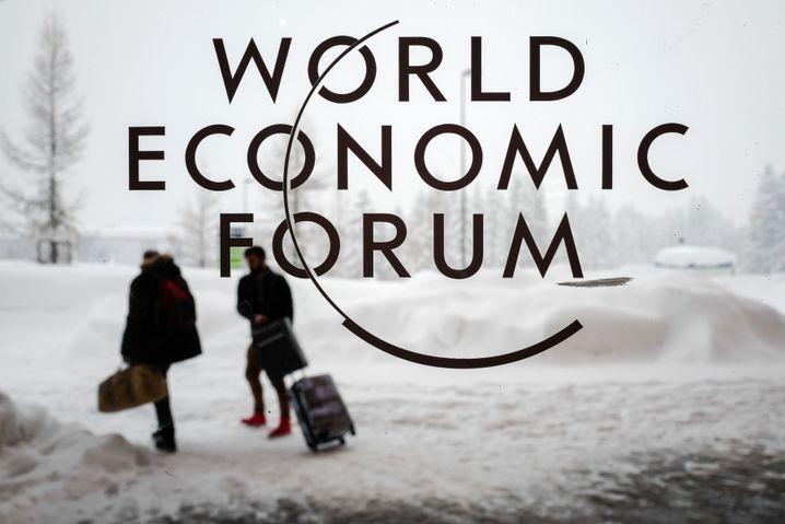 Weltwirtschaftsforum in Davos: Heute sprechen Merkel und Macron