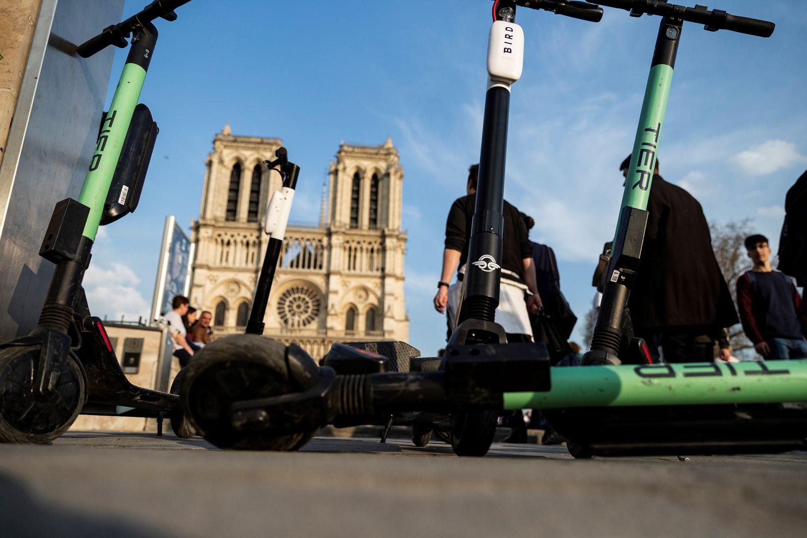 Electric scooters Paris