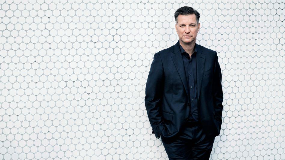 Transformer: Technikvorstand Thomas Schmall muss all das Neue zusammenführen