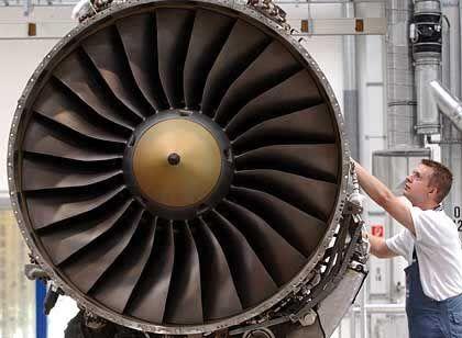 Turbinenpflege: Einer der Haupterwerbszweige der Lufthansatochter Technik