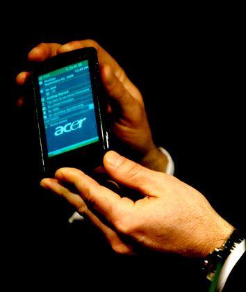 Mehr Bildfläche: Smartphones wie das F1 von Acer sind Kommen