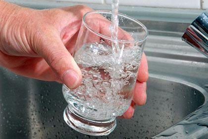Kostbarer Rohstoff: Immerhin wird es für deutsche Wasserverbraucher auf absehbare Zeit nicht noch teurer