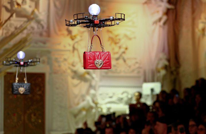 D&G Handtasche im Drohnenanflug: Eine Marke kann binnen weniger Stunden zerstört werden