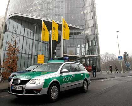 Mitleidenschaft: Bei den Ermittlungen gegen Zumwinkel wurde auch sein Büro im Post-Tower durchsucht
