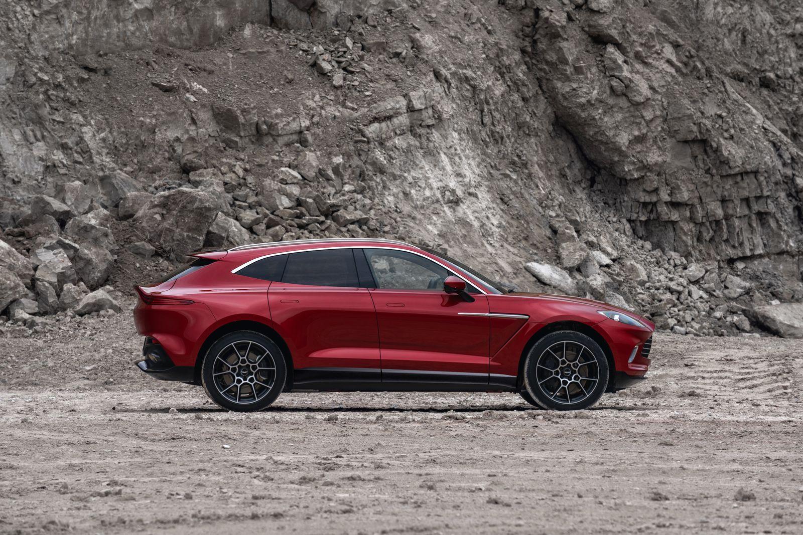 Aston Martin DBX / Seitenansicht