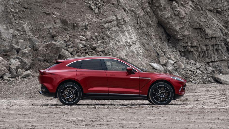 Nach Gewinneinbruch: Aston Martin setzt große Hoffnung auf den Luxus-SUV DBX