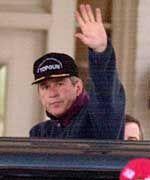 ...und sein republikanischer Rivale George W. Bush.