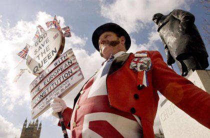 EU-Gegner in London: Annähernde Vollbeschäftigung treibt die Lohnstückkosten in die Höhe und beschädigt die Wettbewerbsfähigkeit