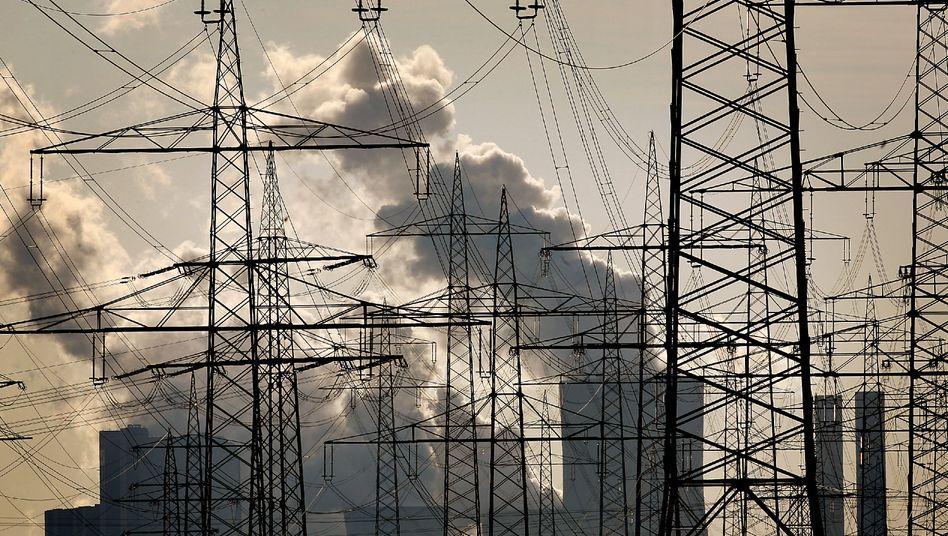 RWE-Braunkohlekraftwerk Niederaußem: Der Handel mit Verschmutzungsrechten ist ein Milliardenmarkt und zieht auch Hacker und Kriminelle an